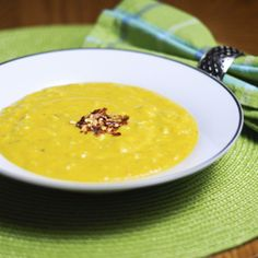 Squash and Crab Bisque - Creamy squash and rich coconut milk are a perfect complement for sweet crab meat. Paleo Recipes, Real Food Recipes, Soup Recipes, Cooking Recipes, Ninja Recipes, Crab Bisque, Bisque Soup, Paleo Soup, Crab Meat