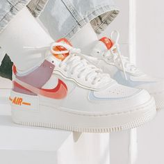 Casual Sneakers, Sneakers Fashion, Fashion Shoes, Shoes Sneakers, Jordan Shoes Girls, Nike Shoes Air Force, Aesthetic Shoes, Hype Shoes, Fresh Shoes
