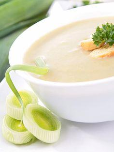 Cream of Leek: Leek Soup Recipe - Marmiton Leek Soup, Potato Soup, Dairy Free Low Carb, Soup Recipes, Healthy Recipes, Protein Foods, Vegan Friendly, Healthy Eating, Healthy Food