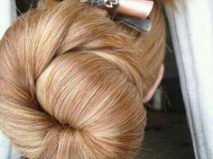 Low Buns, Big Bun, Bun Hairstyles For Long Hair, Big Hair, Blondies, Rapunzel, Updos, Ponytail, Pin Up