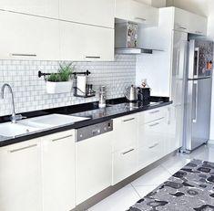 Ankastre, Beyaz mutfak, Halı, Modern mutfak, Mutfak, Siyah-beyaz