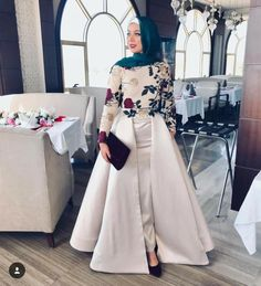 Hijab Prom Dress, Hijab Evening Dress, Hijab Style Dress, Hijab Wedding Dresses, Hijab Outfit, Formal Dresses With Sleeves, Simple Dresses, Outfit Pinterest, Hijabi Gowns