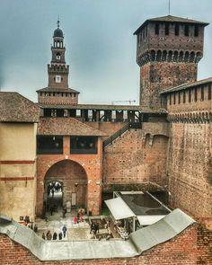 #CastelloSforzesco #Merlate #MerlateCastelloScorzesco #Milano #milanodavedere #milanodaclick #milanolovers #milano_lovers #milano_love #loves_milano #loves_united_milano #loves_united_lombardia #castles #instalike #instagood #instapic #instacool #vsco #vscocam #vscogood #milano_forever #sky #skyline #instart #tagsforlikes #followme #follow4follow #instamilano #bestoftheday #picoftheday by la_dandi