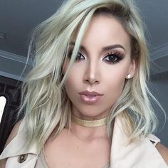 @lustrelux is still giving me life as a #platinum #blonde  #hairbybeaudieda #color