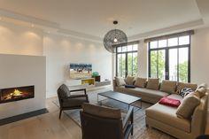 CLIC richtet Luxus Ferienwohnungen auf Rügen ein - Villa Philine - Design, Interiordesign Interiordesign, Villa, Ceiling Lights, Lighting, Projects, Home Decor, Homes, Log Projects, Blue Prints