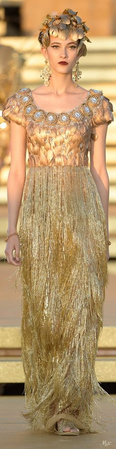 Best of 2020 Fashion for Women's Style Men's Style Gold Fashion, High Fashion, Fashion Show, Dolce E Gabbana, Glamorous Wedding, Colorful Fashion, Women Wear, Glamour, Formal Dresses