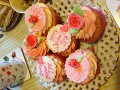 Yummy Mother's Day cupcakes made for me by Zoey's yummy Home Made Cupcakes of Basingstoke. They were sooooo good!!