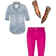 Chambray shirt, pink Bermuda shorts, leopard shoes ~ Not a fan of those kind of shirt, but with pink pants it cute! Pink Pants Outfit, Hot Pink Pants, Looks Camisa Jeans, Looks Jeans, Jean Outfits, Casual Outfits, Cute Outfits, Look Rose, Leopard Shoes