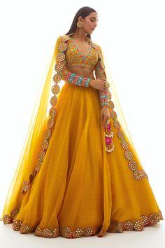 designer outfits Buy Embellished Organza Lehenga Set by Vvani by Vani Vats at Aza Fashions Choli Designs, Salwar Designs, Best Lehenga Designs, Designer Bridal Lehenga, Indian Bridal Outfits, Indian Designer Outfits, Designer Dresses, Indian Lehenga, Mode Bollywood