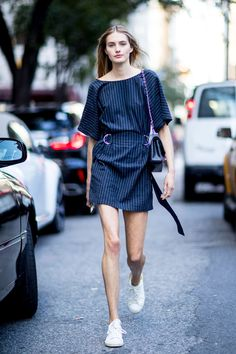 The front row view: nyfw model street style: spring/summer Street Style 2017, Street Chic, Spring Street Style, Street Style Women, Street Fashion, Women's Fashion, Womens Fashion Casual Summer, Office Fashion Women, Modell Street-style