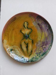 Piatto in ceramica . Tecnica mista