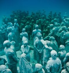 First Underwater Art Museum Shows Hyperrealistic Human Sculptures - Europes first ever underwater museum is full of hyperrealistic human sculptures