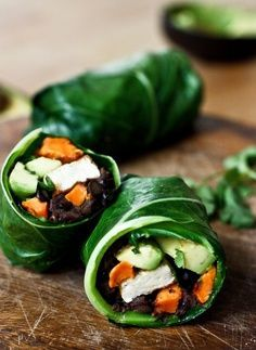 Healthy Vegan Collard Green Wraps - served up burrito-style with roasted sweet potatoes, tofu, chipotle black beans, avocado and a delicious Chipotle Lime dressing. Vegan and Gluten free! Vegan Collard Greens, Collard Green Wraps, New Recipes, Whole Food Recipes, Vegetarian Recipes, Healthy Recipes, Healthy Gourmet, Healthy Wraps, Gastronomia