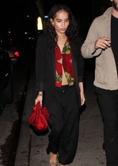 Zoe Kravitz Style, Zoe Isabella Kravitz, Pretty Outfits, Cute Outfits, Minimalist Fashion, Kendall, Style Icons, Celebrity Style, Celebs