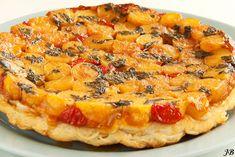 Tarte tatin van Yotam Ottolenghi met krieltjes, geitenkaas, cherrytomaatjes, ui, caramel, oregano en bladerdeeg. Erg lekker! (gemaakt op 25/03/2013)