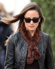 Pippa middleton (celebrity edition) fox fur collar,unique luxurious.. €55.00, via Etsy.