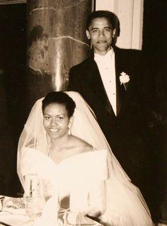Barack Obama y Michelle Obama en una foto de familia de su día de la boda 18 de…