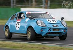 Oh my days, a Marcos looks proper awesome on track. Especially when it's giving it some Sunday Screamer umph like this beauty!