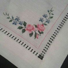 This Pin was discovered by Ayş Small Cross Stitch, Cross Stitch Rose, Cross Stitch Borders, Cross Stitch Designs, Cross Stitch Patterns, Hardanger Embroidery, Cross Stitch Embroidery, Machine Embroidery, Bargello