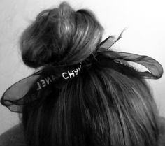 ballerina bun with ribbon Medium Hair Styles, Curly Hair Styles, Natural Hair Styles, Pretty Hairstyles, Braided Hairstyles, Bun Hairstyle, Chanel, Bridal Hair Accessories, Hair Inspiration