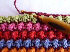 Knot stitch - Karin aan de haak: Knoopjes Kussen English instructions at bottom.