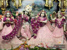 http://harekrishnawallpapers.com/sri-sri-radha-gopinath-lalita-vishakha-iskcon-chowpatty-wallpaper-057/
