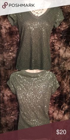 Green v-neck short sleeved sequined top Green v-neck short sleeved tee with sequins. Size Small. Express Tops Tees - Short Sleeve