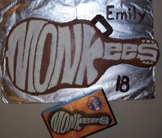Monkees logo! By kansaswolf on CakeCentral.com