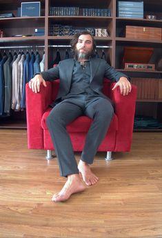 Custom Ready To Wear [CRTW] pe plaja Zavate. 🙂  #CRTW #handmade #bespoketailoring #menswear #sartorial #mnswr #menwithclass #suits #design #ZAVATE Bespoke Tailoring, Ready To Wear, Menswear, Victoria, Suits, How To Wear, Handmade, Design, Style