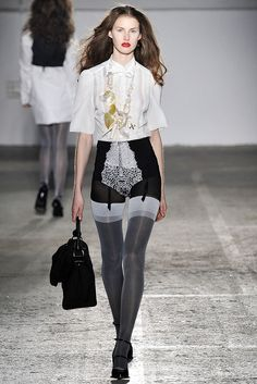 A.F. Vandevorst Spring 2009 Ready-to-Wear Collection Photos - Vogue