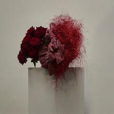 Flower Bomb, My Flower, Flower Art, Flower Power, Red Design, Floral Design, Party Centerpieces, Wedding Decorations, Lisa Cooper