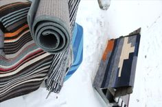 Rugs are excellent to be cleaned with snow.