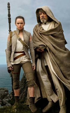 Star Wars: The Last Jedi Shows Captain Phasma Unmasked For First Time - Jedi Costume - Ideas of Jedi Costume - Annie Leibovitz exclusively for Vanity Fair Rey Star Wars, Star Wars Film, Star Wars Dark, Star Wars Luke, Costume Jedi, Costume Star Wars, Stargate, Images Star Wars, Action Movies