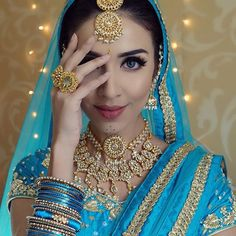 Heyyy everybadyyy I have finally filmed my Aishwarya Rai Bollywood inspired look (Nimbooda song) and I'm hoping to get it up tomorrow In'Sha'Allah! Once again I collaborated with @indiaboulevard @sokorajewels and omg I had so much fun doing this look! What do you guys think? (YouTube: Rumena Begum) love you all! #bollywood