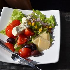 Lunch earlier - salad - bread on the side  #Padgram