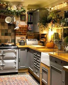 bold patterns and organic materials create an unforgettable kitchen design 17 < Home Design Ideas Kitchen Remodel, Kitchen Decor, Interior Design Kitchen, House Interior, Country Kitchen, Sweet Home, Home Kitchens, Boho Style Kitchen, Kitchen Design