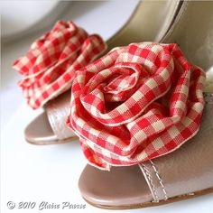 Red gingham shoe clips