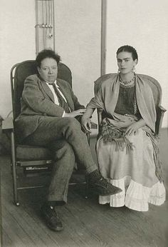 Frida Kahlo & Diego Rivera by Manuel Alvarez Bravo 1931 Frida Y Diego Rivera, Frida E Diego, Frida Art, Natalie Clifford Barney, Fridah Kahlo, Mexican Artists, My Muse, Mexico City, Portraits