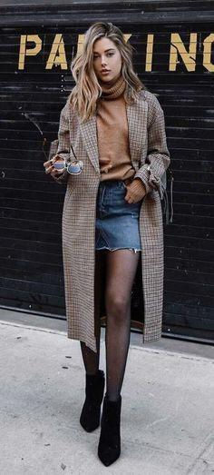 92b129566ce Western fall winter street styles . Casual classy chic oversized femme  women.  fallfashion  winterfashion  ootd  outfits  streetstyle  autumn