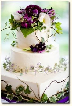 Beautiful Violet Flower Cake