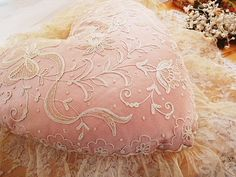 Antique roses and angel | | - French-English and French antique lace cushion Eglantyne (Egurantinu)