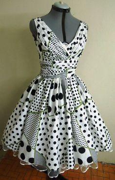 A pretty Cotton Polkadot style dress por en Etsy Short African Dresses, African Fashion Dresses, Short Dresses, Fashion Outfits, Vestidos Vintage, Vintage Dresses, Vestido Batik, Nigerian Dress, Ankara Clothing