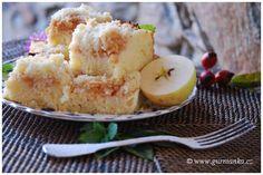 jablečný koláč z piškotovo tvarohového těsta s drobenkou