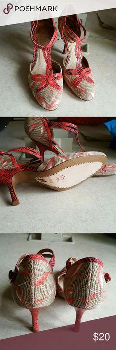 J VINCENT HEELS Cute j Vincent heels Shoes Heels