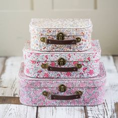 Cute suitcases for girl's of any ageIn three gratuating sizes, these adorable vintage-look suitcases feature three different floral designs. Perfect for girl's of any age – little ones can use them to store toys, crayons, hair accessories (and can also be used to carry their bits and bobs around). For grown-up girls, they are great for make up, accessories, crafts, buttons, weddings, etc. Popular Christmas, wedding or birthday gift This is part of Anusha's gorgeous collection of ...