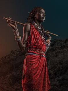 Visual inspiration: Portraits of warriors, Maasai home keepers and workers from Kenya, captured by Osborne Macharia. Susan Sontag, African Tribes, African Art, African Beauty, Tribal Warrior, Africa People, Black Artwork, African Culture, World Cultures