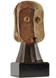 A Bembe figure Wood and pigments - cm R. Radical abstraction of a janus figure whose face is two coloured, red and white. African Masks, African Art, African Sculptures, Ocean Art, Tribal Art, Congo, Nativity, Red And White, Abstract Art