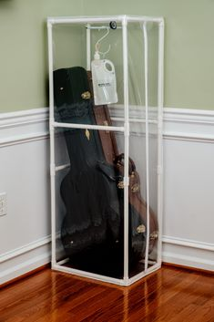 Humidifying Cases Acoustic Guitar, Wardrobe Rack, Ladder Decor, Cases, Home Decor, Music, Homemade Home Decor, Decoration Home, Interior Decorating