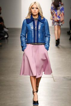 Karen Walker - Fall 2015 Ready-to-Wear - Look 26 of 32 - see my pink linen skirt on www.etsy.com/shop/vickitaggartdesigns
