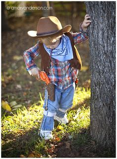 Diy cowboy halloween costume for a kid baby toddler or even an amory anderson photography diy boy cowboy costume kids halloween solutioingenieria Choice Image